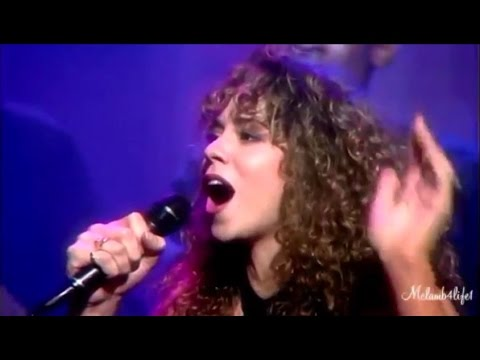 Mariah Carey, Whitney Houston, Celine Dion: Runs, Melismas, Riffs, Inflections