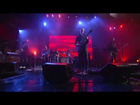 QOTSA - I Sat By The Ocean (Live On Letterman)